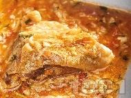 Задушено пиле със зеленчуков сос